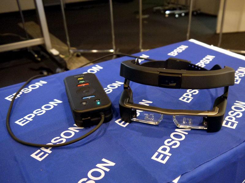 ハンズフリーや視認性の良さを生かして進化、エプソンが業務用スマートヘッドセットを発表(1/6)